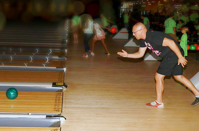 Bowling Brings Together Hunger Fighters