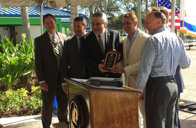 Fort Lauderdale Plants A Tree To Celebrate Tu B'Shevat