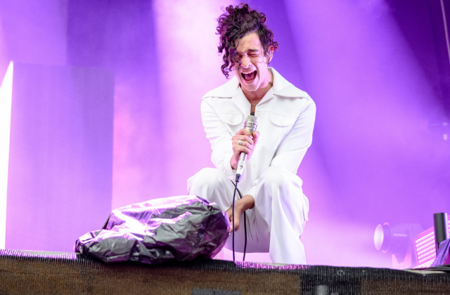 'The 1975' Frontman Protests Dubai Anti-Gay Laws With Gay Kiss