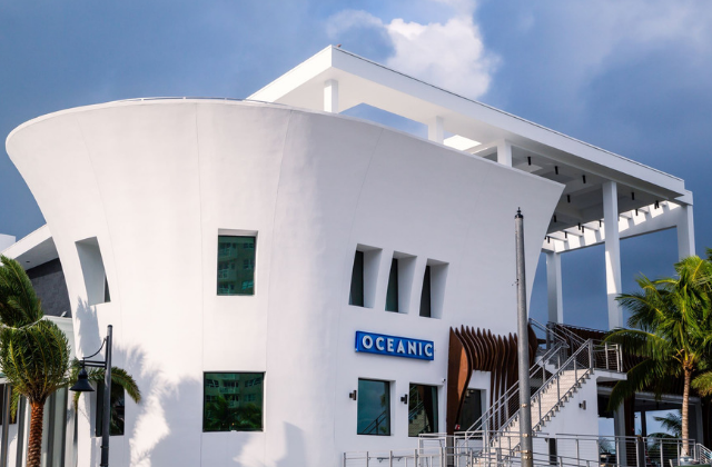 Rick's Reviews: Oceanic is The Jewel in Pompano's Crown