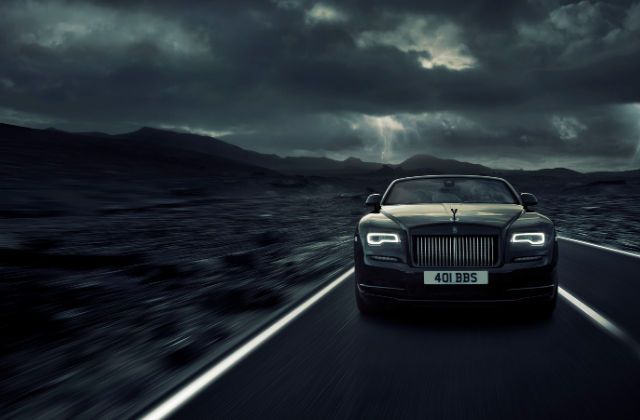 The Rolls-Royce Dawn: How to Look Fabulous While Topless