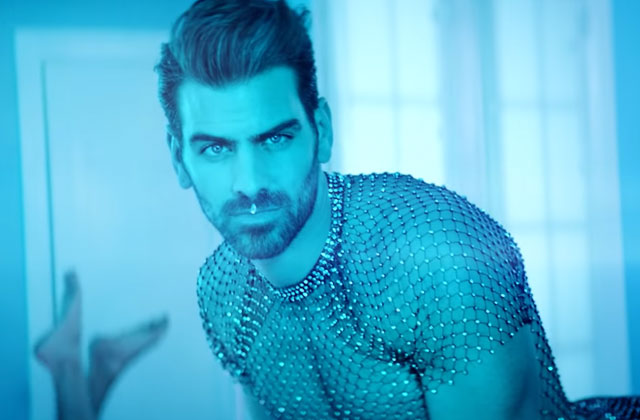 Watch: Queer Model Nyle DiMarco Stars in ASL Version of Ariana Grande's '7 Rings'