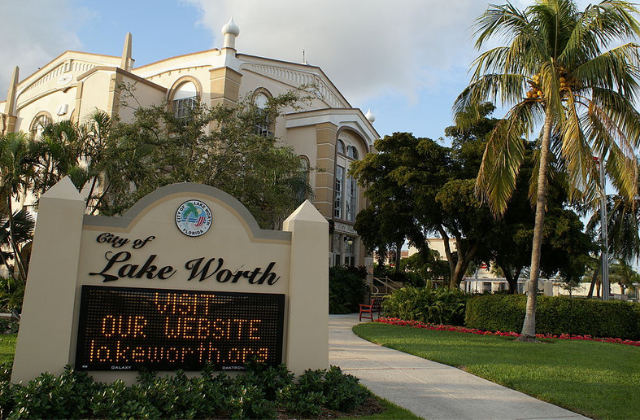 Lake Worth Passes Resolution Supporting Non-Discrimination Bill