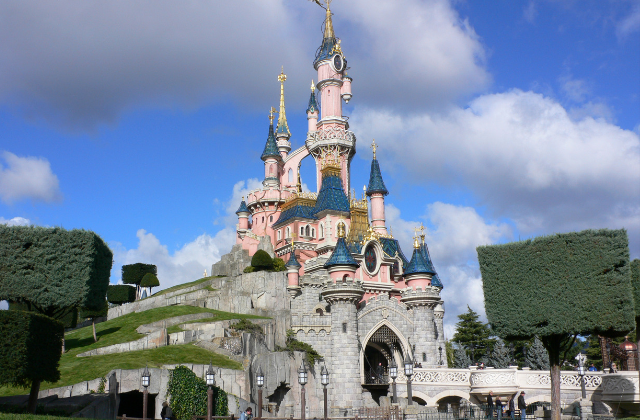 Disneyland Paris to Hold the First ever Official Pride Event