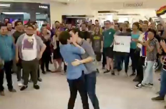 Drag Queens Protest Mall That Kicked out Gay Couple For Kissing