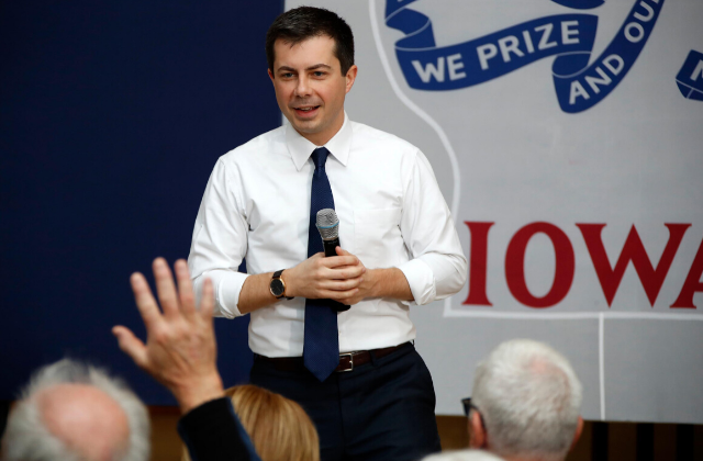 Buttigieg To Focus on Converting Trump Voters For Final Week in Iowa
