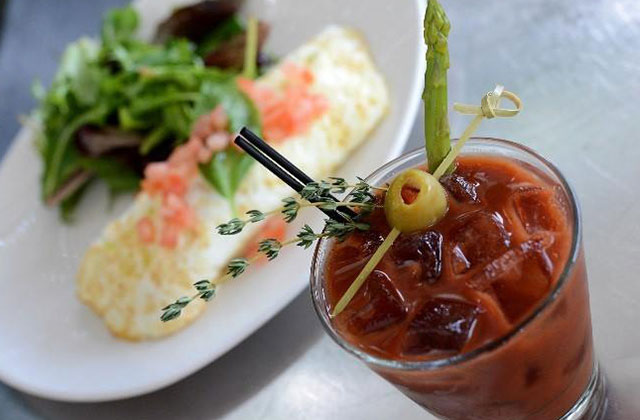 OUTeats: Angelo Elia Pizza, Bar & Tapas