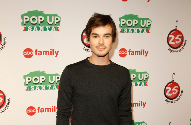 'Pretty Little Liars' Star Tyler Blackburn Comes Out as Queer