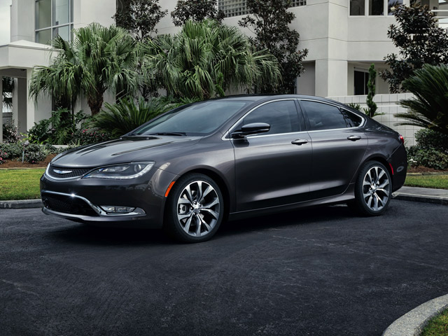 Gay Car Geek: 2015 Chrysler 200 Has Pretty Face and Good Body
