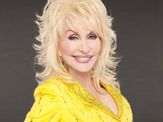 Dolly Parton (Facebook)