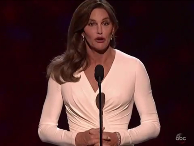 Video: Emotional Caitlyn Jenner Accepts Ashe Courage Award at ESPYs