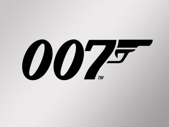 Ex Bond Actor Roger Moore: 007 Can't Be Gay or Female