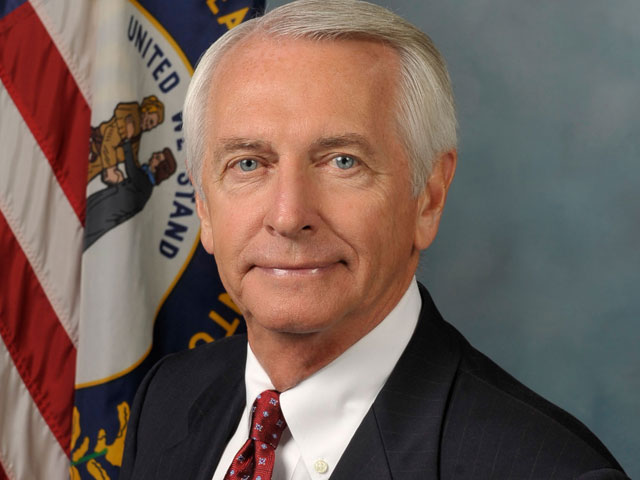 Gov. Beshear: Davis' Arguments 'Absurd' And 'Obtuse'