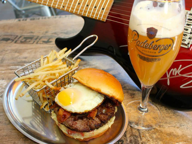 Out EATS: QBar Burgers and Blues