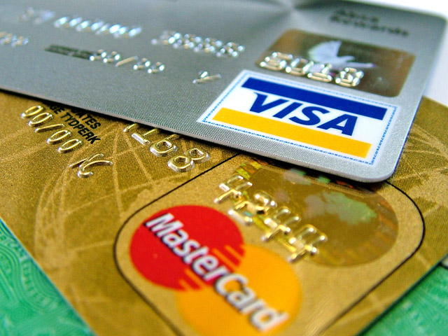 Finance: Eliminate Your Credit Card Debt - Pay Off That Card Every Month