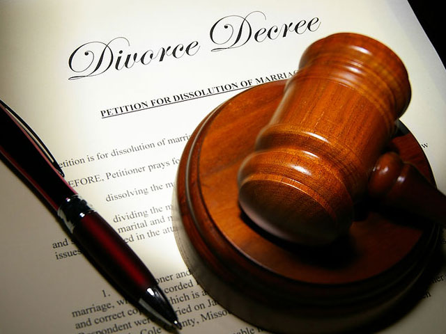 Divorce Law Out Of Synch With Same-Sex Marriage